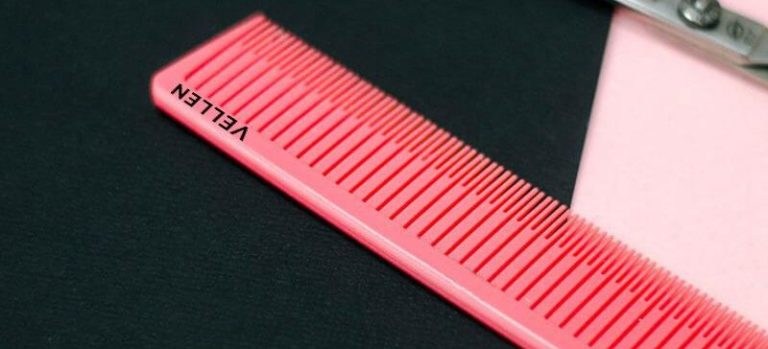 Pink tail comb